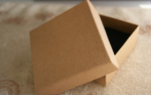 8x8x3-5cm-Vintage-Plain-Quality-Brown-Kraft-Jewel-Gift-Boxes-Jewelry-Packaging-Boxe-Bangle-Boxes-633x400